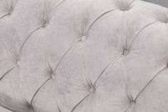 Sofa Chesterfield Classic Velvet Light Grey 3os. Sofy - Dekoria.pl