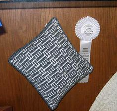 Ravelry: Wrynnes Pillow from Lily Chins Mosaic Magic