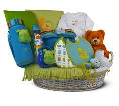 Canastilla de bebé color 3· - 253€ (envío incluido a la península) Incluye Cesta de mimbre vestida; Osito de peluche; Manta polar; Cambiador de charol; Neceser portapañal; Termo portabiberones; Camisetita de algodón; Polaina de algodón; Calcetines; 2 baberos suaves; Cadena de chupete; Chupete; Biberón Manta Polar, Children, Color, Wicker Baskets, Cotton T Shirts, Vacuum Flask, Pacifiers, Patent Leather, Cosmetic Bag