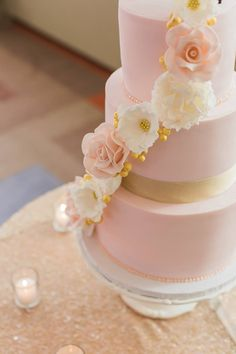 Featured Photographer: Brittany Lee Photography; Wedding cake idea.