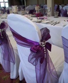 purple chair sash Tablescape Centerpiece www.tablescapesbydesign.com by joni
