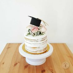 graduation cake # graduation # graduation party Best Picture For College Graduation invitations For Your Taste You are looking for something, and it is going to tell you exactly what College Graduation Cakes, Graduation Tassel, Graduation Party Planning, Graduation Celebration, Graduation Party Decor, Graduation Invitations, Grad Parties, Graduation Nails, Savoury Cake