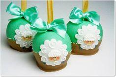 maçãs+cobertas+com+chocolate+e+personalizadas. R$ 12,50