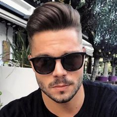 25 coupes de cheveux Pretty Boy Herrenfrisuren 2019 - Popular Men's Haircuts and Hairstyles For Men Smart Hairstyles, Cool Hairstyles For Men, Cool Haircuts, Hairstyles Haircuts, Haircuts For Men, Pompadour Men, Pompadour Hairstyle, High Fade Pompadour, Bart Styles