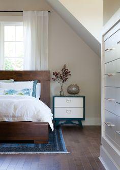 bedroom storage: thehousediaries.com