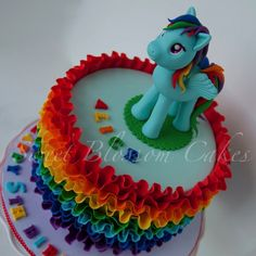 Rainbow dash cake - by TaHe4ka