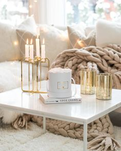 Golden Quartet candelabra & Infinity roses / Photo by Rose Photos, White Style, Candelabra, Minimalist Design, Iphone, Infinity, Gift Wrapping, Table Decorations, Traditional