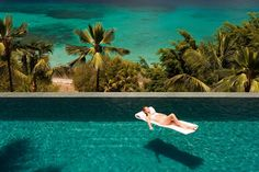 "The two-level pool at [link url=""http://www.mustique-island.com/villa/tortuga""][b]Tortuga[/b][/link], a traditional gingerbread-style villa in [b]Mustique[/b], which overlooks Britannia Bay and the surrounding islands."