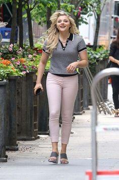 Chloe Moretz On The Set Of Untitled Louis C.k. Movie In New York