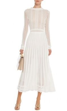 Best Ideas wedding elegant chic long sleeve Source by dress chic Fashion Week, Womens Fashion, Fashion Trends, Pretty Dresses, Beautiful Dresses, Dress Skirt, Dress Up, Sheath Dress, Dress Outfits