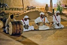 Don't miss the chance to enjoy Gnawa music show in the desert of #Morocco!