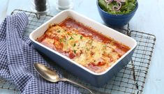 Lange i tomatsaus   3iuka Frisk, Lasagna, Macaroni And Cheese, Food And Drink, Ethnic Recipes, Mac And Cheese, Lasagne