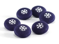 Snowflakes In The Night - Winter Fabric Buttons - 6 Small White Embroidery on Blue Fabric Covered Buttons