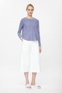 Pleated back jumper