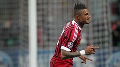 Kevin-Prince Boateng opened the scoring for AC Milan in the second half v Barcelona - I enjoyed this too much! Soccer Teams, Ac Milan, Champions League, Ever After, Premier League, Liverpool, Eye Candy, Chelsea, Barcelona