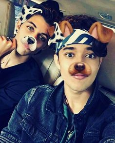Read CAPÍTULO 2 from the story 《¿¡de odio a amor!》 by Pri_pimentel (cncowner with 155 reads. O Love, I Love Him, Cnco Snapchat, Twitter Bio, Five Guys, Boy Pictures, Perfect Man, Hot Boys, Reggae