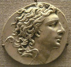 Mithridates VI, King of Pontus (c. 134 - 63 BC), claimed Alexander the Great… Ancient Near East, Ancient Rome, Ancient Greece, Greek History, Ancient History, Roman Republic, Gold And Silver Coins, Alexander The Great, Ancient Jewelry