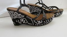 Stunning Embroidered Fioni Platform Wedge sz 6.5    Woman Shoe:  Sz 6 1/2  Heel 4  Width 3  Leather uppers  Fioni    JUN22