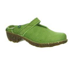 - YGGDRASIL N155 Trufa -  El Naturalista YGGDRASIL Damenclogs. Sehr beliebt, der ultimative Wegbegleiter für jeden Tag. Durch das auswechselbare Fußbett können eigene Einlagen eingelegt werden. Luftig und angenehm zu tragen. Sein kräftiges grün macht ihn zu einem modischen Hit.  http://www.lovelyshoes.de/damenschuhe/El-Naturalista-Schuhe-Online-Shop-El-Naturalista-Schuhe-versandkostenfrei