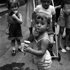 1954, New York, New York | Photo by the lovely Vivian Maier