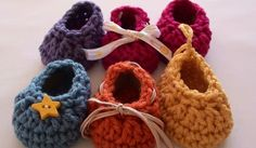 How to Crochet Craft Show Crochet Baby Booties Video Tutorial and Pattern - Newborn Size. Feel free to use this pattern to make and sell booties. Only 6 rounds! http://youtu.be/mXA9f-JmJDU