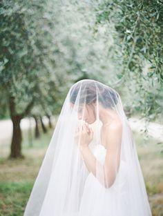 We love long veils