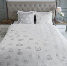 Riviera Maison dekbedovertrek  sfeer plaatjes,love familie met tekst,  katoen, kleur white,beige, anthracite, slaapkenner theo bot