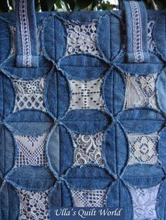 "Ulla's Quilt World: Quilted pouch and bag + Cathedral window quilt bag; using the ""fake"" cathedral windows method. Like the denim and lace look. Artisanats Denim, Denim And Lace, Denim Purse, Cathedral Window Quilts, Cathedral Windows, Quilting Projects, Quilting Designs, Sewing Projects, Quilting Ideas"