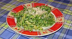 špenátové cestoviny Spaghetti, Rice, Ethnic Recipes, Food, Meal, Eten, Meals, Noodle, Jim Rice