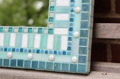 Mosaic Wall Mirror Aqua and Teal por SeabrookMosaics en Etsy Mirror Mosaic, Mosaic Wall, Mosaic Glass, Wall Mirror, Stained Glass Birds, Stained Glass Panels, Fused Glass, White Glass Tile, Christmas Tree Ornaments
