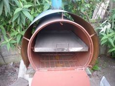 HORNOS ARTESANOS DE OBRA Diy Projects To Try, Home Projects, Barrel Stove, Parrilla Exterior, Outdoor Projects, Outdoor Decor, Pizza Oven Outdoor, Charcoal Grill, Metal Working