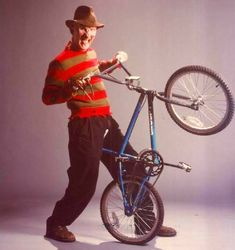 A Nightmare on Elm Street Dream Warriors — Promotional Vintage Bmx Bikes, Velo Vintage, Vintage Cycles, Retro Bikes, Gt Bmx, Street Film, Dream Warriors, Teenage Wasteland, Bmx Racing