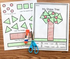 Management Tip & Poster. Nothing bothers me more than when I am giving directions and the students are playing with their papers, putting things away, or whatever. Preschool Math, Math Classroom, Maths, Preschool Apples, Classroom Ideas, Classroom Freebies, Preschool Ideas, Teaching Calendar, Tree Study