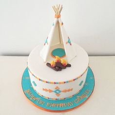 Teepee birthday cake by Blossom & Crumb, perfect for your tribal baby shower! Puppy Birthday Cakes, First Birthday Cakes, Birthday Cupcakes, Pretty Cakes, Cute Cakes, Native American Cake, Indian Birthday Parties, Camping Cakes, Indian Cake