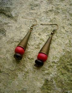 Boucles d'oreilles ethniques - métal bois et graines : Boucles d'oreille par stonanka