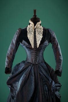 """Apart from the personal collection of Alexandre Vassiliev the exhibition will feature unique items of clothing and accessories 19 and 20th  centuries from the collection of the """"Museum of Moscow"""""""
