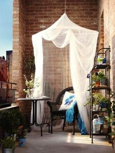 Mosquito nets, especially in white, add bold accents as well as protection from the pesky mosquitoes and a certain air of privacy.