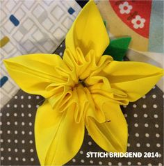 STITCHERS BLOG - DIY flower sewing tutorial daffodils yellow flower FREE tutorial pattern