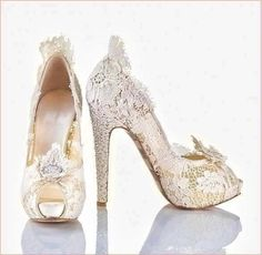 Beautiful lace Chanel shoes...