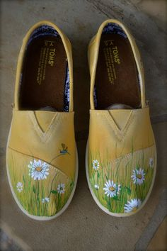 Field of Daisies Custom TOMS Shoes. $110.00, via Etsy.