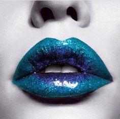 Turquoise, Blue, Glitter / Ombré lips