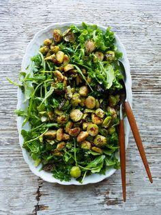 Grønn salat med ristet rosenkål Comfort Food, Greens Recipe, Kung Pao Chicken, Sprouts, Vegetables, Ethnic Recipes, Kollektiv, Fett, Lettuce Recipes
