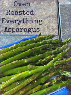Oven roasted everything asparagus: Roasted asparagus with a little sesame oil + everything bagel seasoning, for the perfect savory flavor combination! Side Dishes Easy, Side Dish Recipes, Snack Recipes, Cooking Recipes, Oven Roasted Asparagus, Fresh Asparagus, Aldi Meal Plan, Cook Up A Storm, Everything Bagel