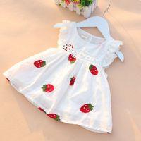 0-2A Bebê Recém-nascido Do Bebê Vestido Da Menina de alta Qualidade Bordados de Flores de Verão Morango Vestido de Algodão Infantil…