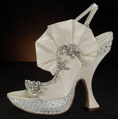 10 Offbeat Wedding Shoes - wedding shoes - My Style - Schuhe Unique Wedding Shoes, Wedge Wedding Shoes, Wedding Shoes Bride, Unique Shoes, Bride Shoes, Ivory Wedding, Wedding Accessories, Wedding Dresses, Elegant Wedding