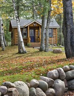 Guests Welcome at this Small Log Cabin - Cabin Life Magazine - Photo by Roger Wade ©2014, styling by Debra Grahl, courtesy Town & Country Cedar Homes