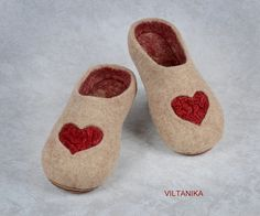 7384446e37e8 Felted slippers Favorite caramel by VILTANIKA on Etsy