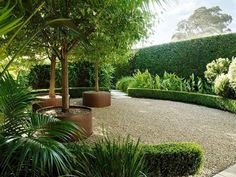 7 Most Creative Minimalist Garden Designs for Small Landscape Now it's not a reason a small house doesn't have a garden. Minimalist garden design, both on narrow land, front or back of the house, indoor or rooftop. Whatever area of land you have… Contemporary Garden Design, Modern Landscape Design, Landscape Plans, Modern Landscaping, Backyard Landscaping, Landscaping Ideas, Contemporary Landscape, Landscape Curbing, Patio Ideas