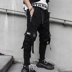 The Best Pair of Black Cargo Pants Mens Menswear Visit: menpant.com/the-best-pair-of-black-cargo-pants-mens-menswear/ Black Cargo pants are a standard male uniform in most workplaces, business places and schools. These pants are a bit more formal and involve a lot of different considerations than casual trousers and jeans, #menpants #menpant #men #pants #nevada #florida #kentucky