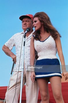 News Photo : Comedian Bob Hope and actress Raquel Welch...